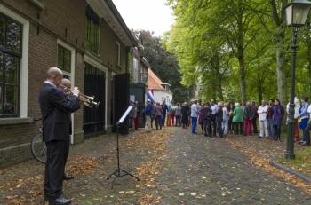 Bekijk het album Concert Bij De Buren 2013